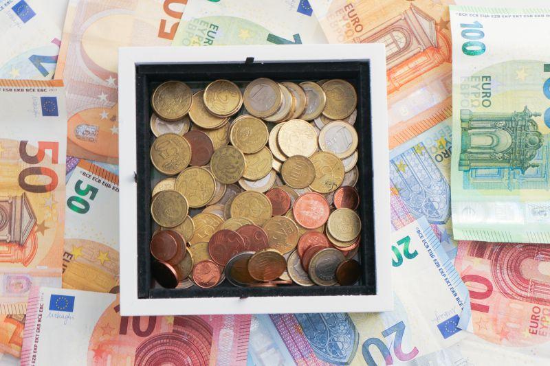 El Gobierno rebajará a 1.500 euros la aportación desgravable a planes complementarios de mutualidades